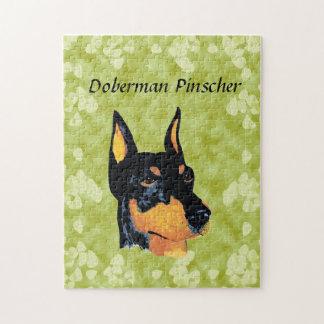 (犬)ドーベルマン・ピンシェルの~の緑の葉のデザイン ジグゾーパズル