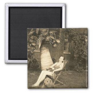 犬、女性および彼女のココナッツ マグネット