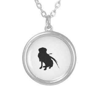 狩りのラブラドル・レトリーバー犬のシルエット愛犬 シルバープレートネックレス