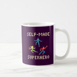 独立独行のスーパーヒーローのマグ コーヒーマグカップ