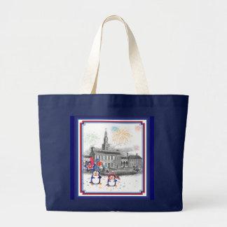 独立記念日のペンギンのバッグ ラージトートバッグ