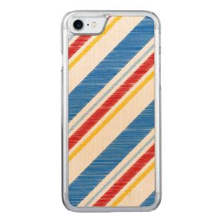 独立記念日の鮮やかで赤いおよび青い縞 CARVED iPhone 8/7 ケース