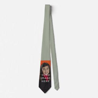 独身のなイメージの写真のおもしろいな首のタイの灰色の背景 ネクタイ