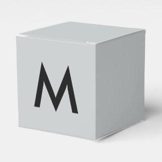 独身のなモノグラム フェイバーボックス