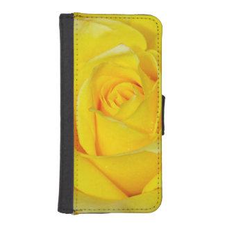 独身のな黄色バラのiphoneのウォレットケース iPhoneSE/5/5sウォレットケース