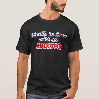 猛烈に会計検査官との愛で Tシャツ