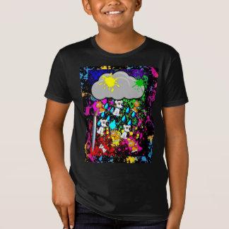 猫および犬を雨が降っています! 新しいペンキの版 Tシャツ