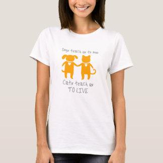 猫および犬 Tシャツ
