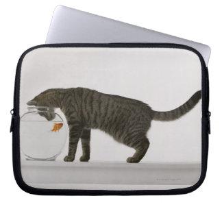 猫および金魚 ラップトップスリーブ