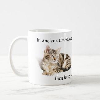 猫の崇拝 コーヒーマグカップ