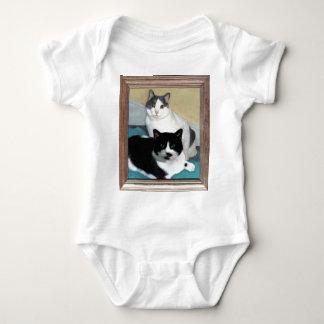 猫の絵画のTシャツ ベビーボディスーツ