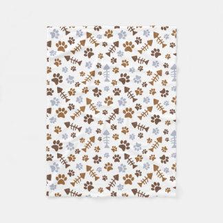 猫の足はパターンを印刷します フリースブランケット