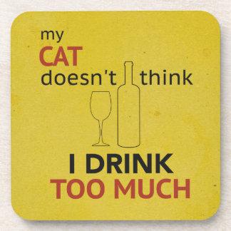 猫の飲み物たくさんの黄色くグランジなコースター コースター