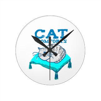 猫は枕時計の猫の絵を慰めます ラウンド壁時計