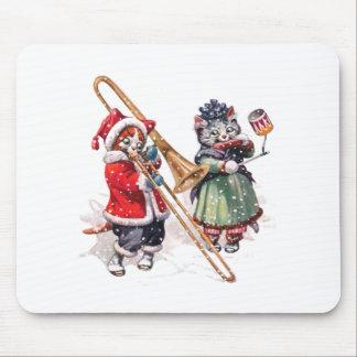 猫は雪のトロンボーンを遊びます マウスパッド