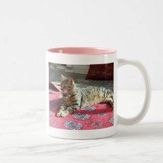 猫プロダクト: Minnie Minx ツートーンマグカップ