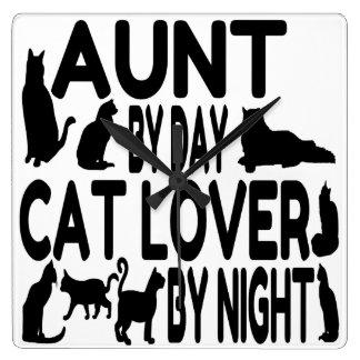 猫好きの叔母さん スクエア壁時計
