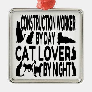 猫好きの建設作業員 メタルオーナメント