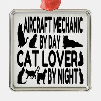 猫好きの航空整備士 メタルオーナメント