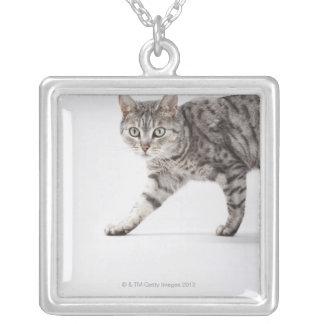 猫歩く シルバープレートネックレス