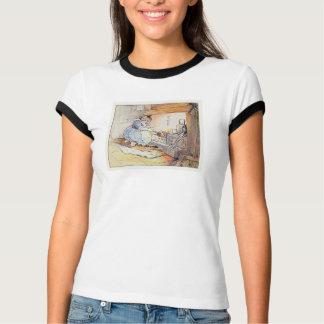 猫猫は火によって坐ります Tシャツ