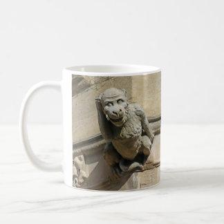 猿およびこっけい者のガーゴイルのマグ コーヒーマグカップ