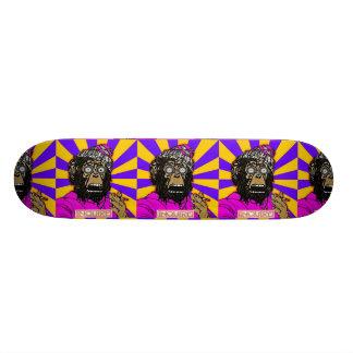 (猿に衝撃を与えて下さい)スケートボードを尋ねて下さい スケートボード