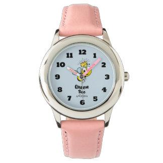 王冠との女王バチのかわいいのまわりに 腕時計