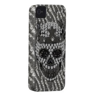 王冠のダイヤモンドのオーナメントが付いている印刷されたゴシック様式スカル Case-Mate iPhone 4 ケース