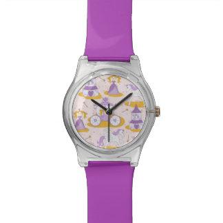 王女が付いているパターン 腕時計