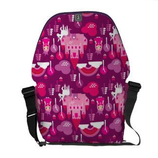王女の城およびユニコーンの虹 メッセンジャーバッグ