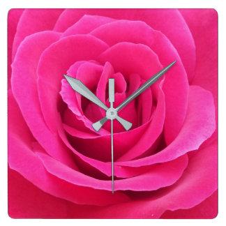 王室ので赤いバラ スクエア壁時計