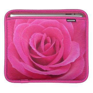 王室ので赤いバラ iPadスリーブ