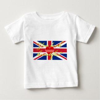 王室のな結婚式のささやき ベビーTシャツ
