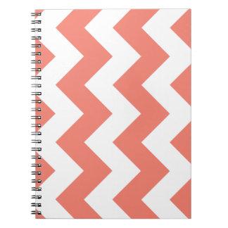 珊瑚のシェブロンのジグザグ形のメモ帳 ノートブック