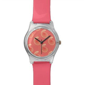 珊瑚のピンクおよびクリーム色のペイズリー 腕時計