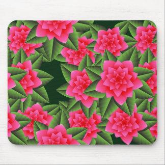 珊瑚のピンクのツバキおよび緑の葉 マウスパッド
