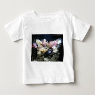 珊瑚場面 ベビーTシャツ