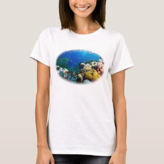 珊瑚海の熱帯魚 Tシャツ