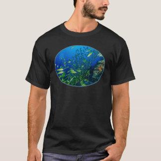 珊瑚海のTシャツの熱帯魚 Tシャツ