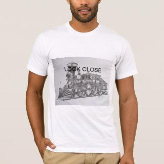 珍しいスタイルの列車。 近く見て下さい Tシャツ