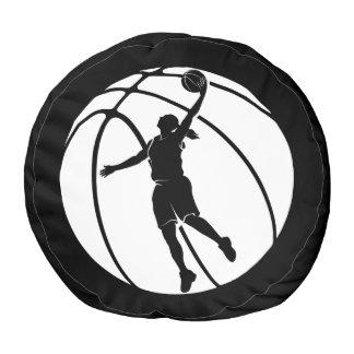 球が付いている女の子のバスケットボールのシルエット ラウンドクッション