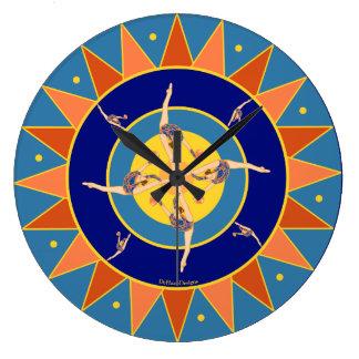 球の柱時計とのリズミカルな体育専門家の踊り ラージ壁時計