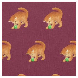 球の生地と遊んでいるオレンジ子猫猫 ファブリック