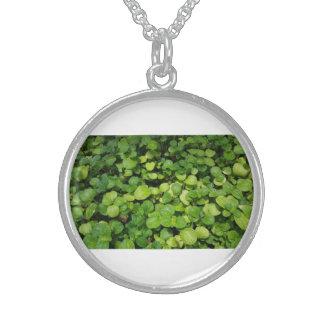 環境にやさしいことをしようの自然な葉の銀の円形のネックレス スターリングシルバーネックレス