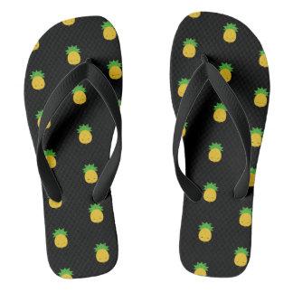 甘いかわいいのパイナップル黒のフリップフロップのサンダル ビーチサンダル