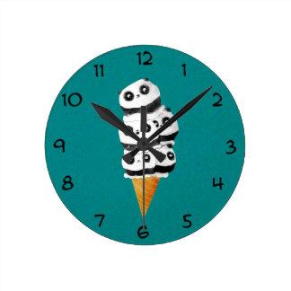 甘いパンダくまのアイスクリームコーン ラウンド壁時計