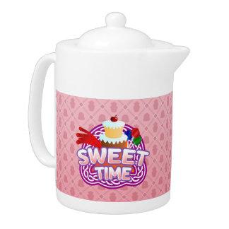 甘い時間のピンクのティーポット