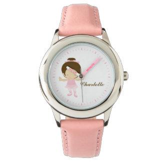 甘く小さいブルネットのバレエダンサー 腕時計