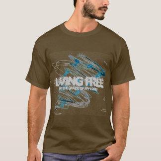 生きている自由な人のTシャツ Tシャツ
